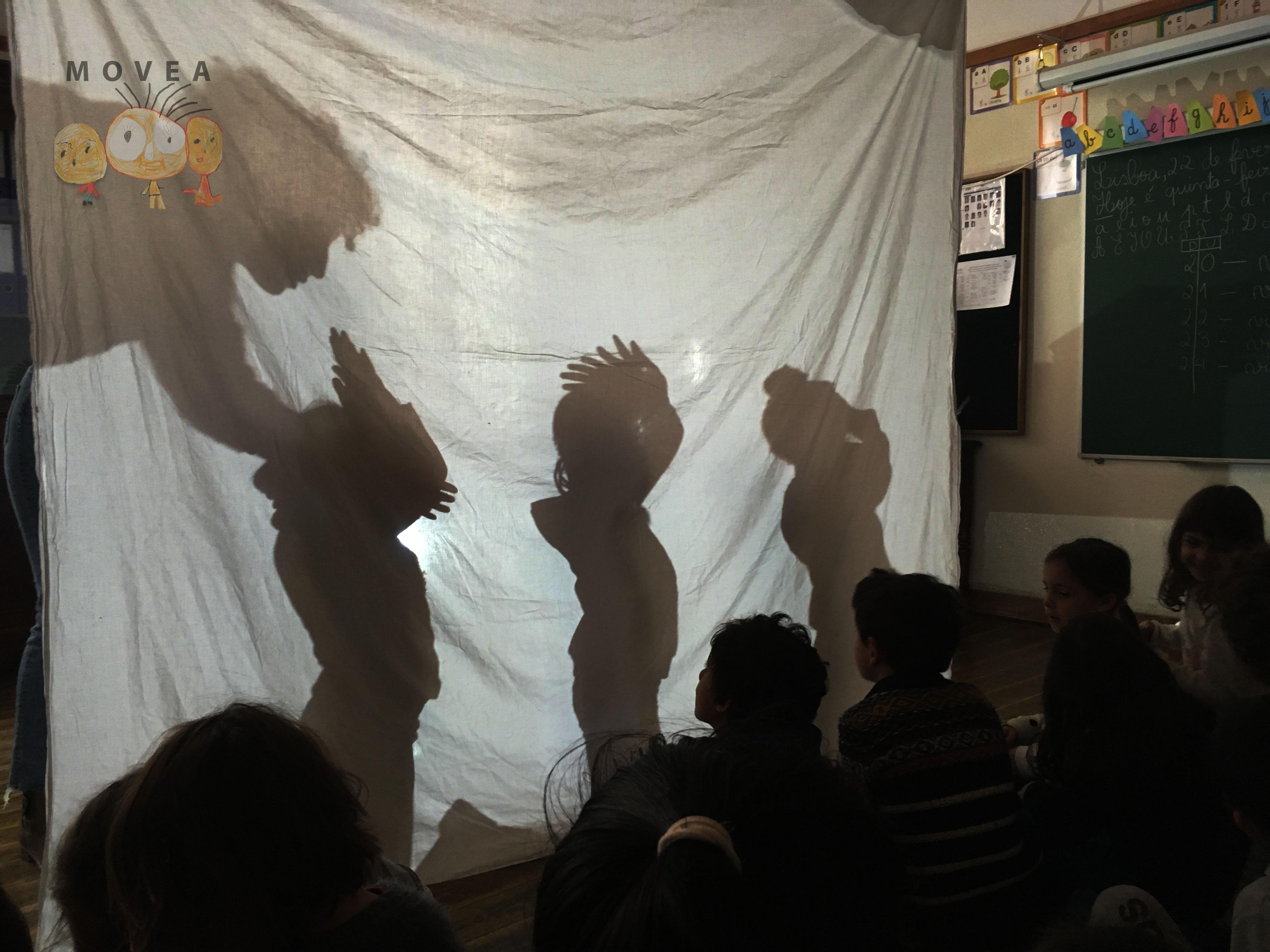 À Luz da Sombra - Teatro